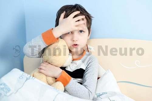 Шум в ушах у ребенка – особенности проблемы, что делать.