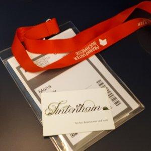 Buchmesseausweis und Visitenkarten