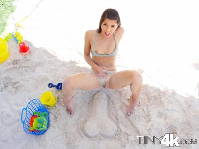 Tiny4k Gina Valentina in Sun and Sand 11