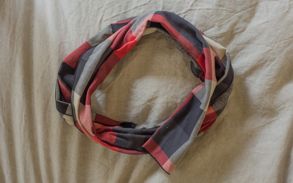 thrifting-finds-KAVU-red-and-blue-scarf