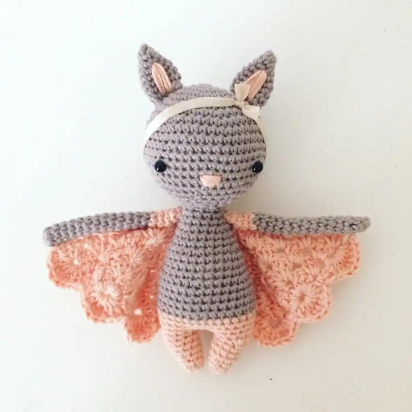 Chloe Crochet Bat Pattern by Manuska