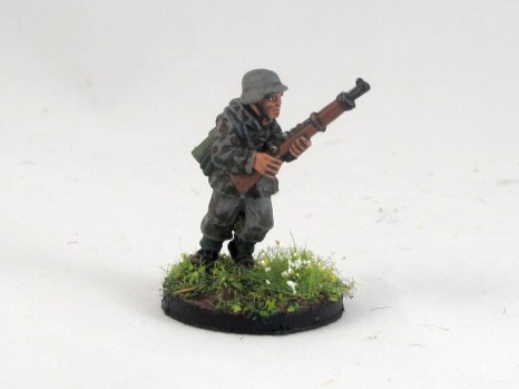 Another Aritzan rifleman in a smock