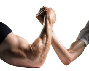 leader-weakness-arm-wrestle-w386x311