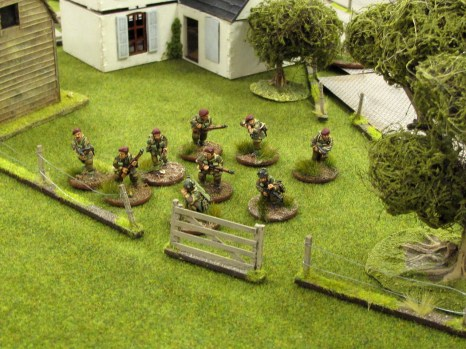 All over the board British sections get up and advance towards the crossroads