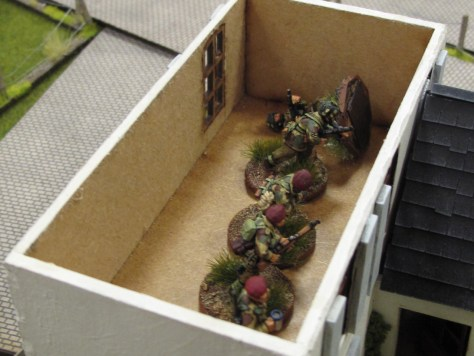 Arnhem game 4 para section in house