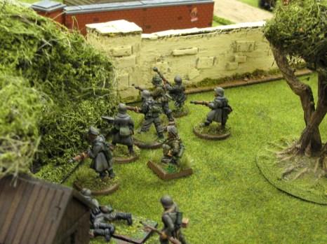 German infantry begin working forwards