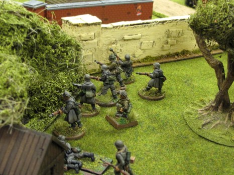 German infantry begin working forwards