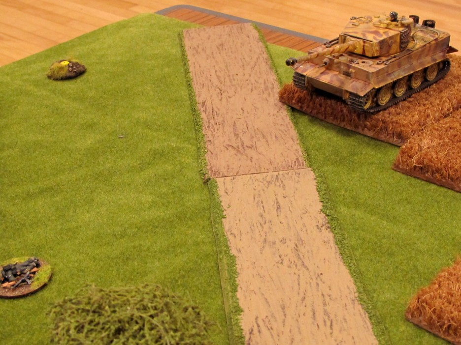 The big boy rolls onto the table. This is actually the first time we've had a Tiger on table in CoC.