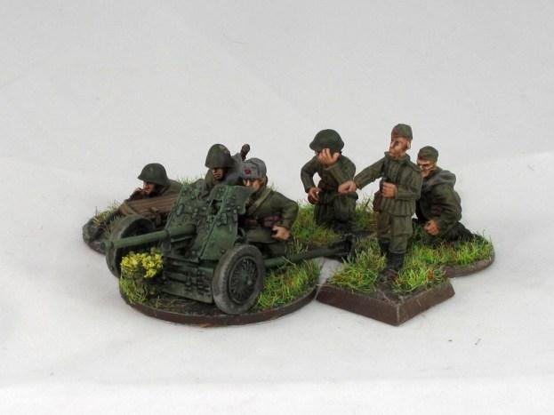 Soviet_45mm_AT_gun_2