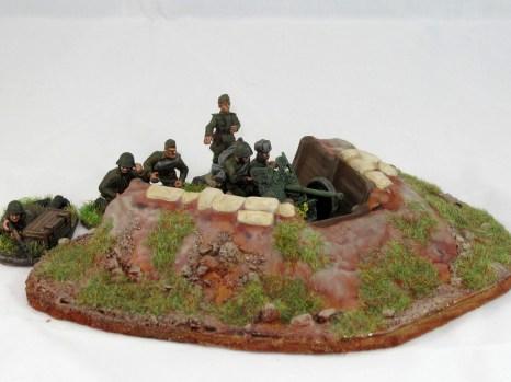 Soviet_45mm_AT_gun_dug_in_2