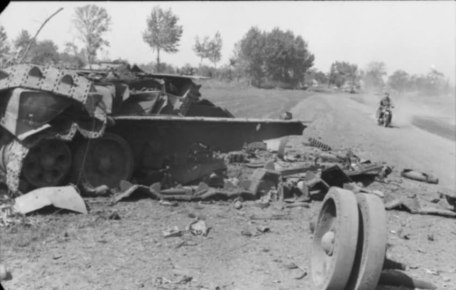 The tank had decent armour, well sloped, but was poor at surviving penetrations, even by WW2 standards.