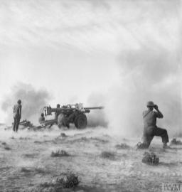 THE BRITISH ARMY IN TUNISIA 1943 (NA 1076) A 'Pheasant' 17-pdr anti-tank gun in action on the Medenine front, 11 March 1943. Copyright: © IWM. Original Source: http://www.iwm.org.uk/collections/item/object/205204151
