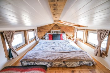 Tiny House Giant Journey Loft