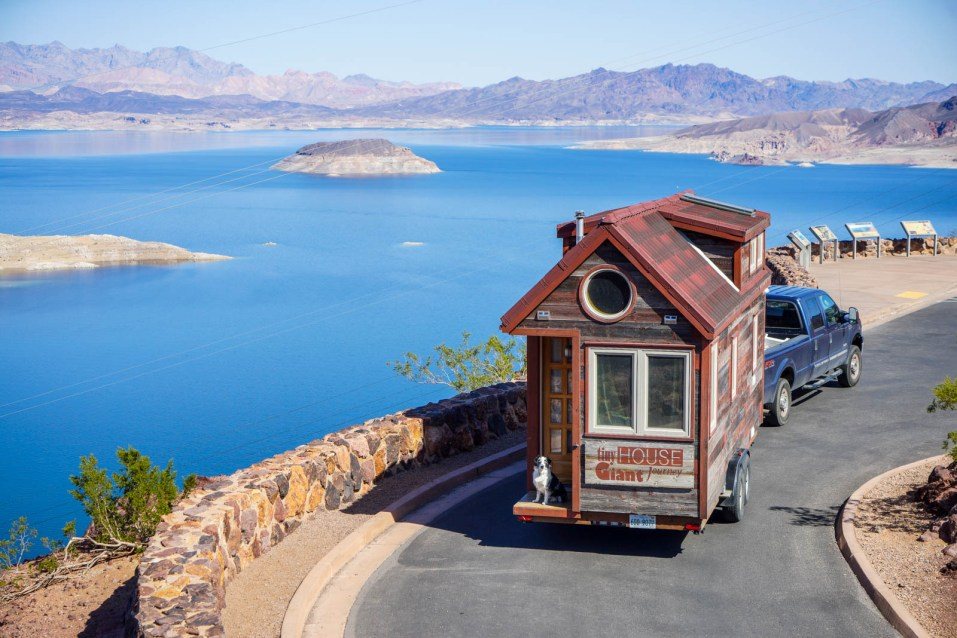TIny House GJ vVsits Lake Mead