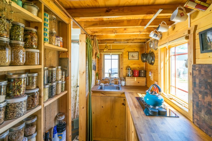 Tiny Tack House - 0037