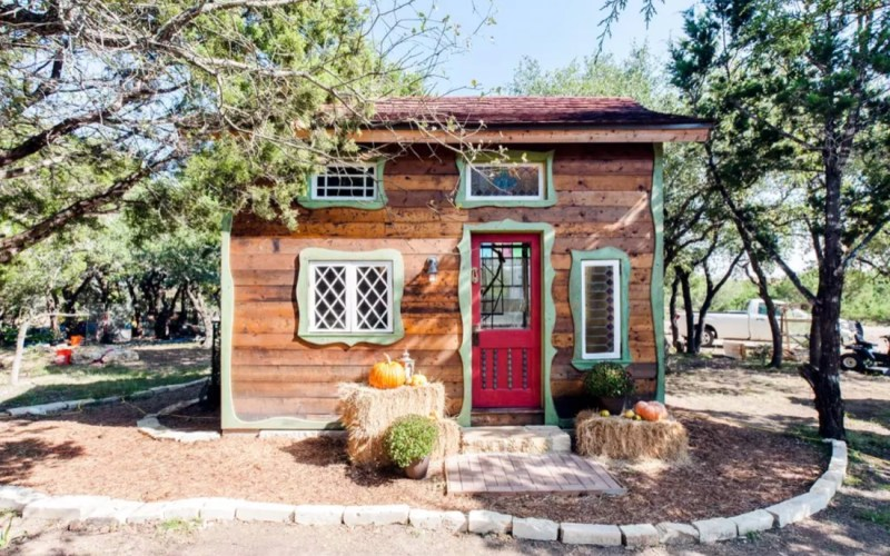 Robin Hoods Hideout Magical Tiny Cottage in Texas 0017