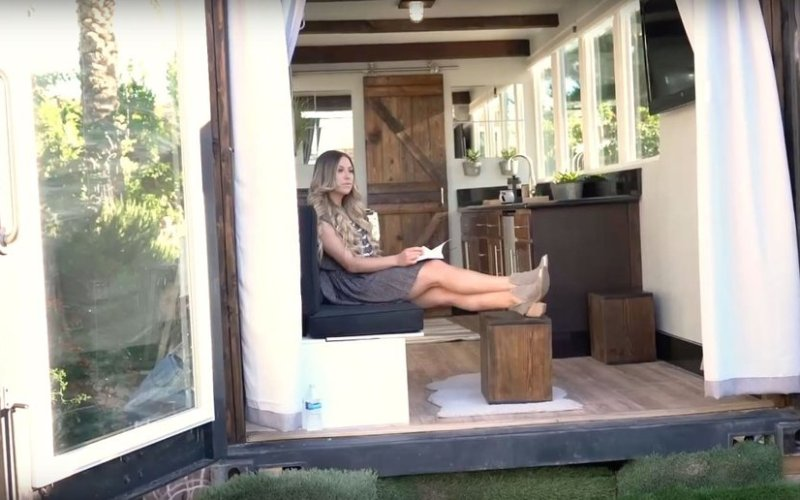 20ft Luxury Shipping Container Tiny House_014