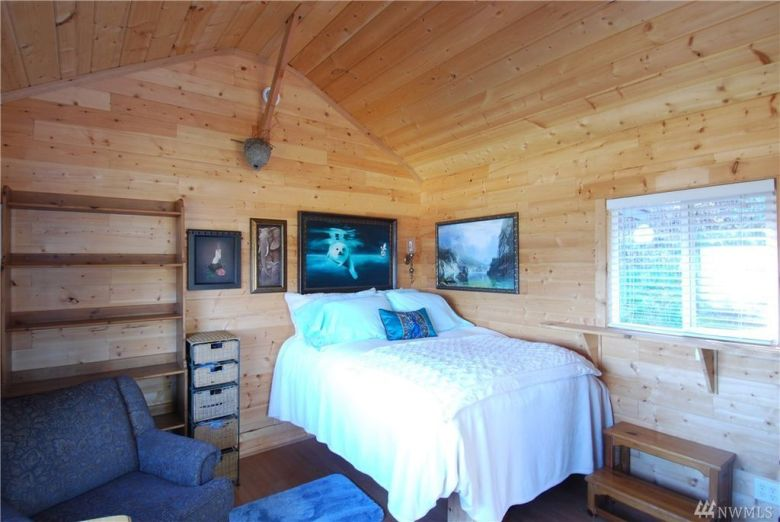 One Room Tiny Cabin for sale in Union WA 004