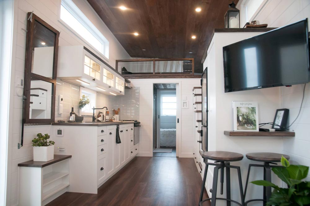 Laurier by minimaliste tiny houses on wheels for sale for Minimaliste tiny house