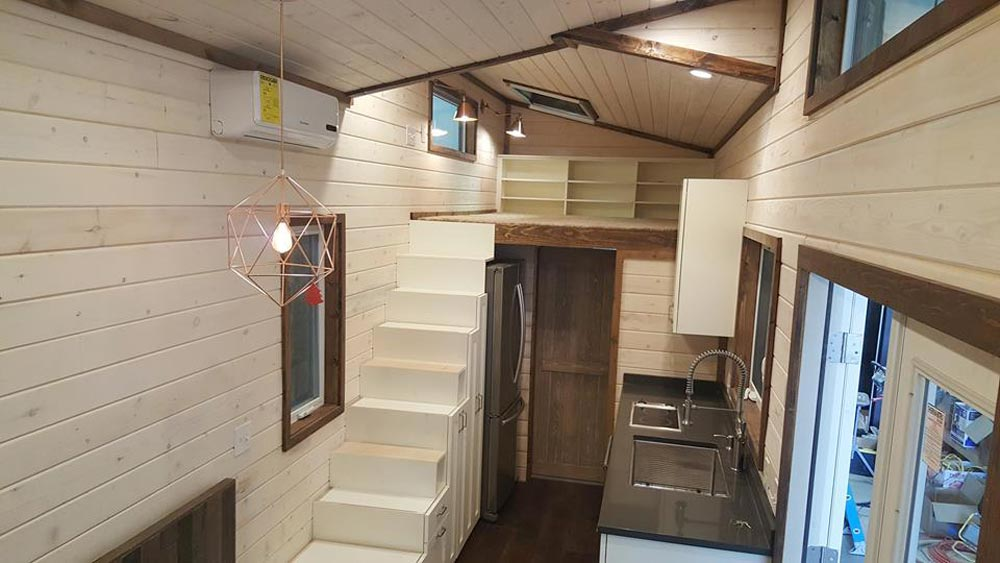warehouse by alpine tiny homes tiny houses on wheels for sale listings. Black Bedroom Furniture Sets. Home Design Ideas