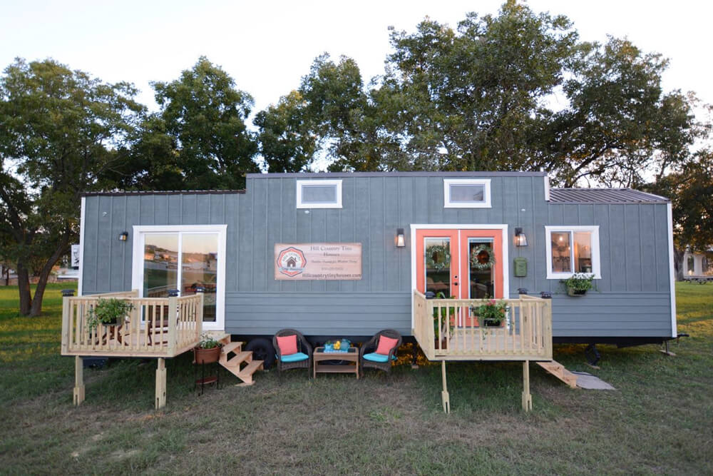 vintage retreat by hill country tiny houses tiny houses on wheels for sale listings. Black Bedroom Furniture Sets. Home Design Ideas