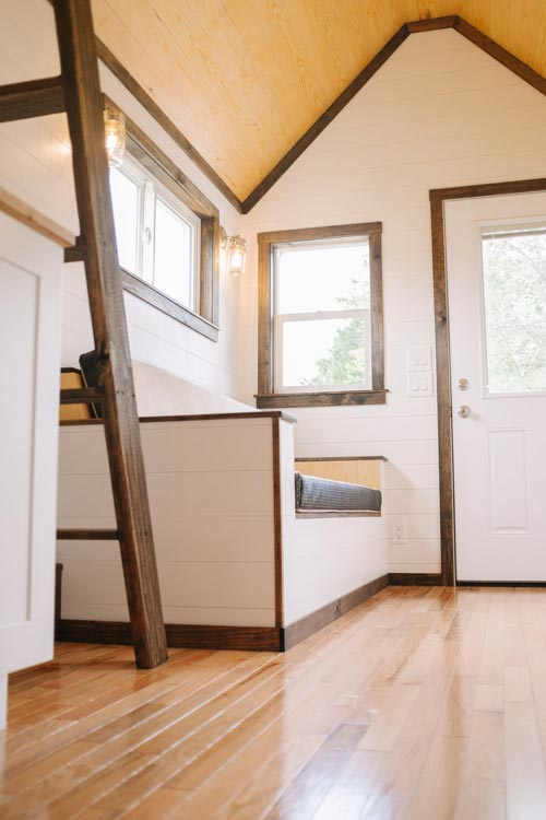 Acadia by wind river tiny homes tiny houses on wheels for Small house builders near me