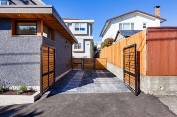1020sf-small-house-with-garage-newport-lane-house-by-lanefab-003