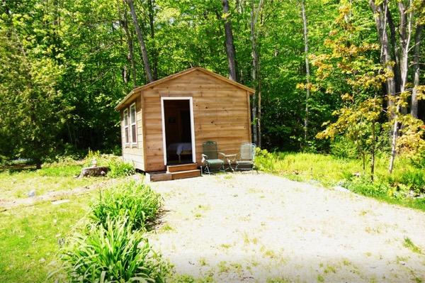12-x-16-Amish-Built-Tiny-House-010