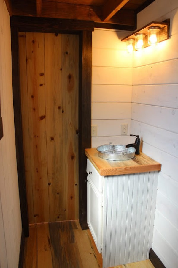 12x24-tiny-house-with-8x12-loft-by-silver-creek-portable-buildings-003