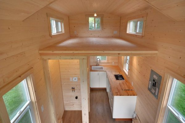 160-sq-ft-tiny-house-on-wheels-by-tiny-living-homes-00013