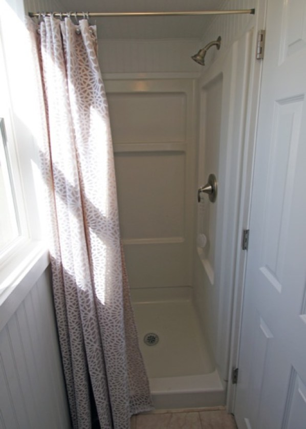 shower in tiny house