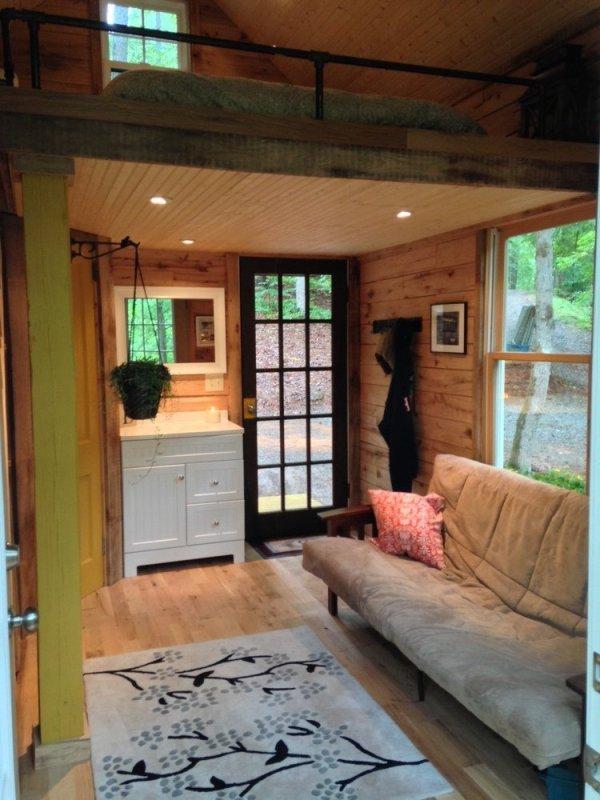 180-sq-ft-otter-den-tiny-house-009