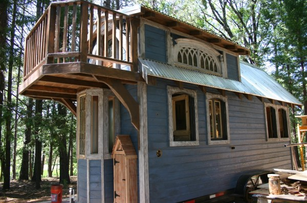 1904 Rustic Vintage Tiny House with Loft Balcony 0017