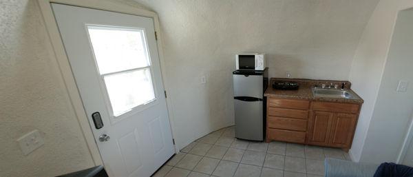monolithic-dome-home-kitchen