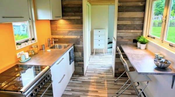 high school teacher with no building experience builds 206 sq ft tiny house on wheels. Black Bedroom Furniture Sets. Home Design Ideas