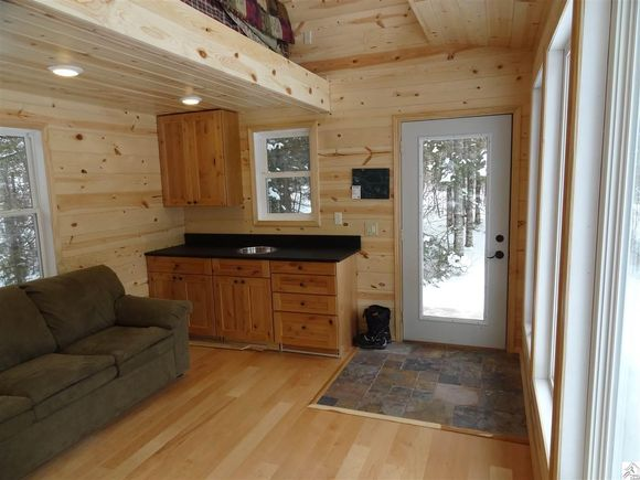 240-sq-ft-tiny-log-cabin-for-sale-007