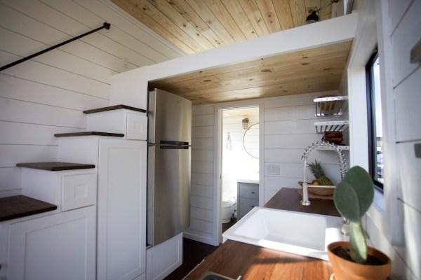 24ft Custom Tiny Home by Nomad Tiny Homes_003