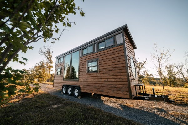 26ft Silhouette Tiny House 001