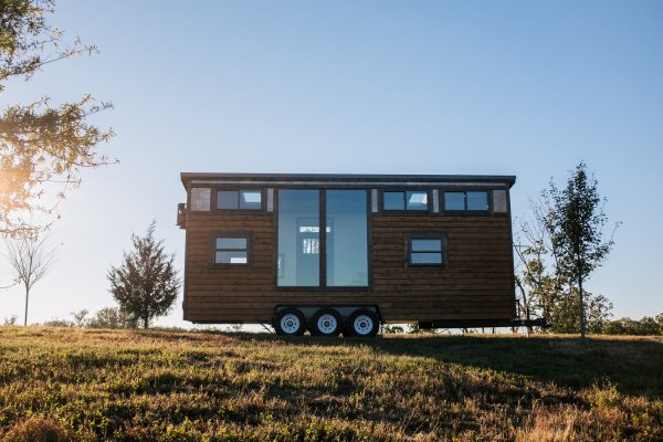 The Silhouette 26ft Tiny House On Wheels With Large