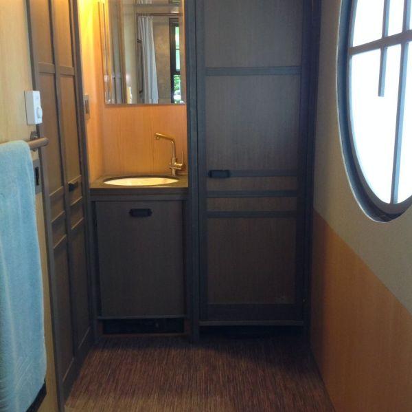 280-sq-ft-luxury-tiny-house-by-heininge-007