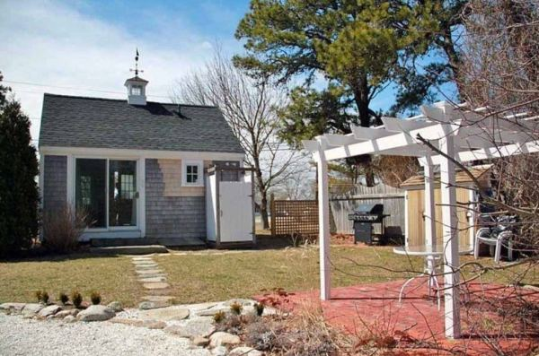 288-sq-ft-tiny-cottage-for-sale-009