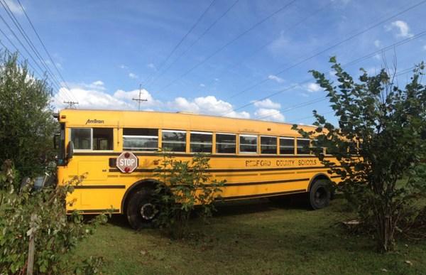 $2k School Bus Converted into Amazing DIY Motorhome 001