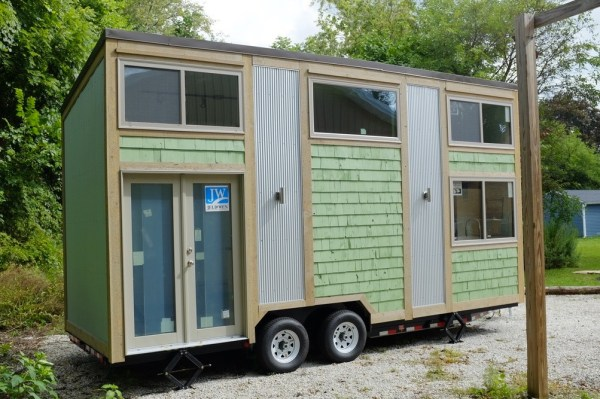 30k-240-sq-ft-tiny-cabin-on-wheels-for-sale-008