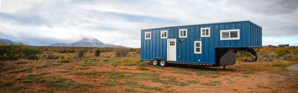 33ft Gooseneck Tiny House by Canyonland Tiny Homes_001