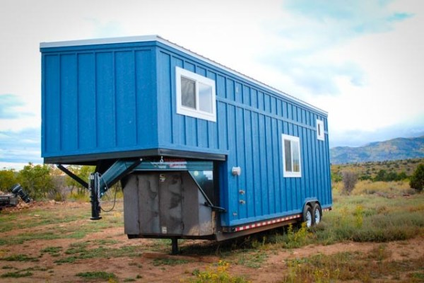 33ft Gooseneck Tiny House by Canyonland Tiny Homes_003