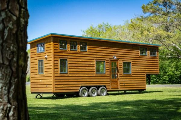 35ft CedarHouse by Timbercraft Tiny Homes EXTERIOR 0020
