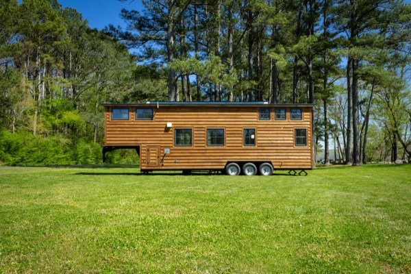 35ft CedarHouse by Timbercraft Tiny Homes EXTERIOR 006