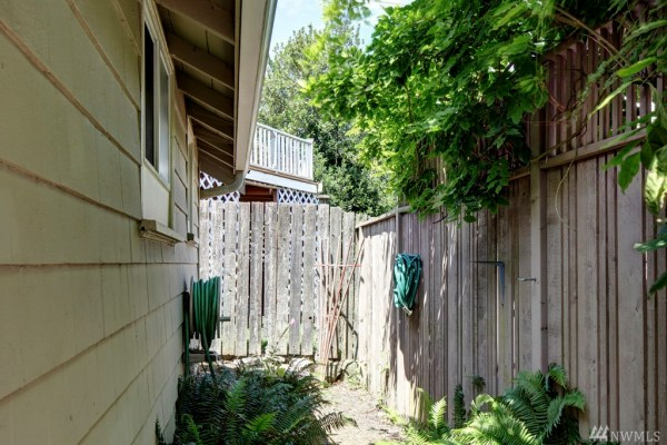 360 Sq Ft Earl Ave Tiny Cottage in Seattle 0013