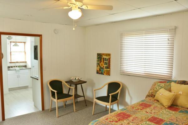 364-sq-ft-tiny-blue-star-cottage-009