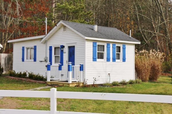 364-sq-ft-tiny-blue-star-cottage-012